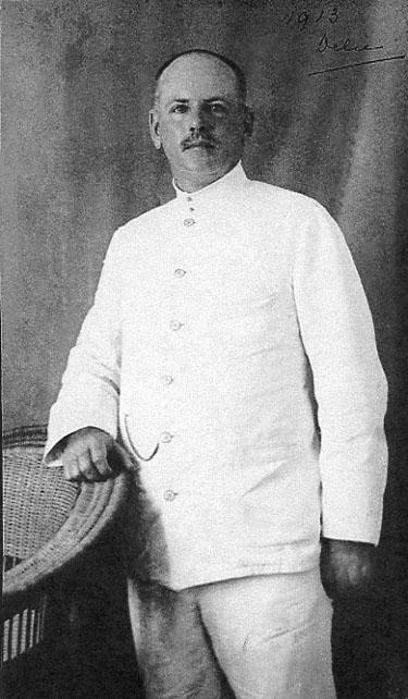 IJ Sr. in 1913